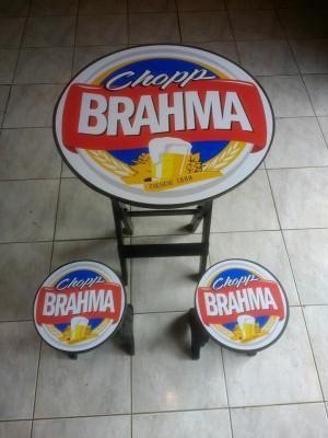 MESA COM 4 BANCOS BRAHMA CHOPP